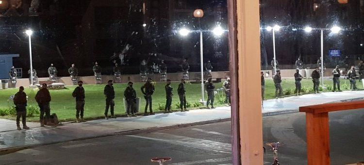Pinamar: fuerte operativo policial para impedir que los turistas recibieran el año en la playa