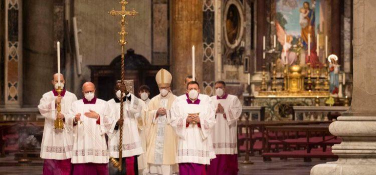 """El papa Francisco dijo que el mundo """"necesita una vacuna para el corazón"""" además de la del coronavirus"""