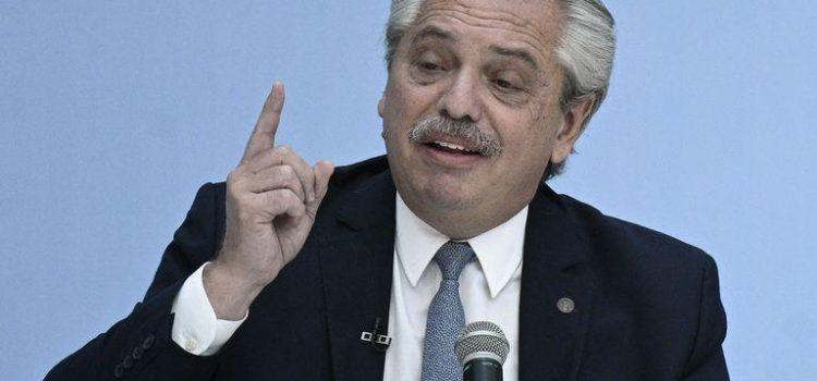 Alberto FERNÁNDEZ  anuncia las nuevas restricciones para el área metropolitana.